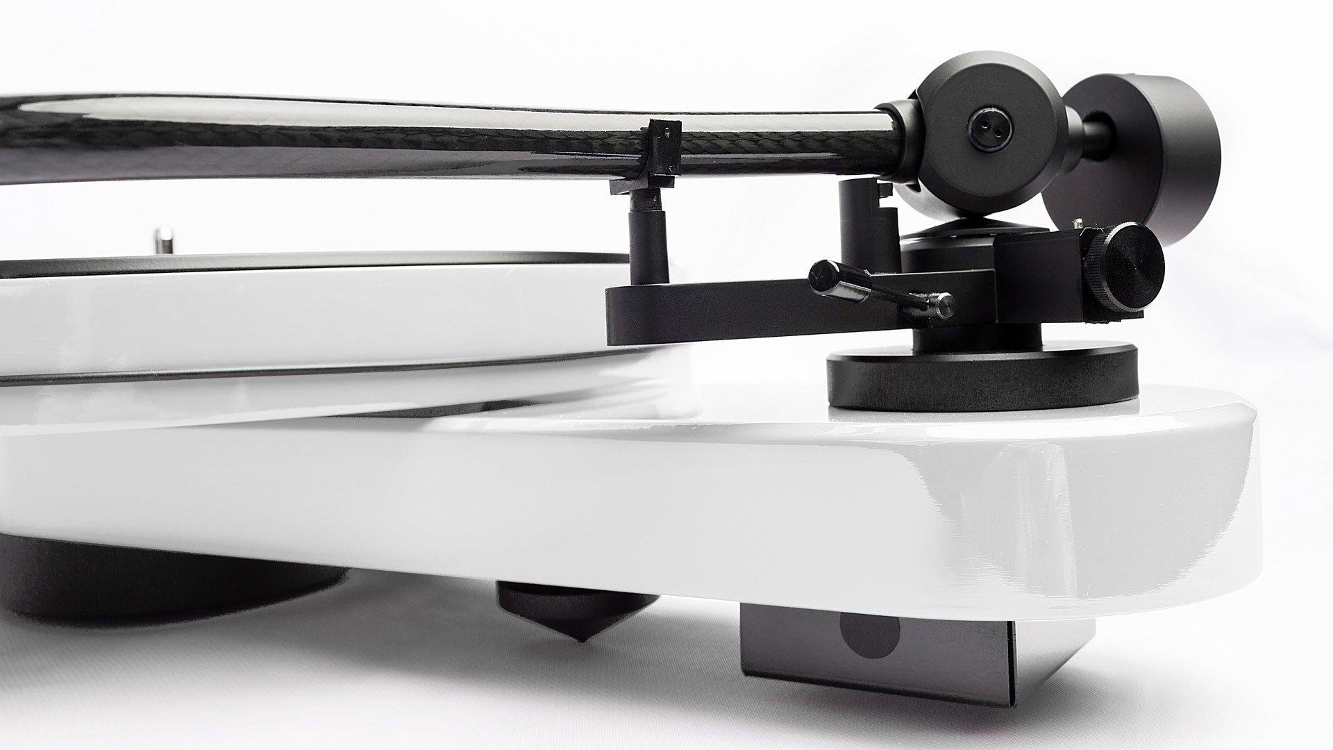 Pro-Ject RPM 3 Carbon in White - Tonearm Profile