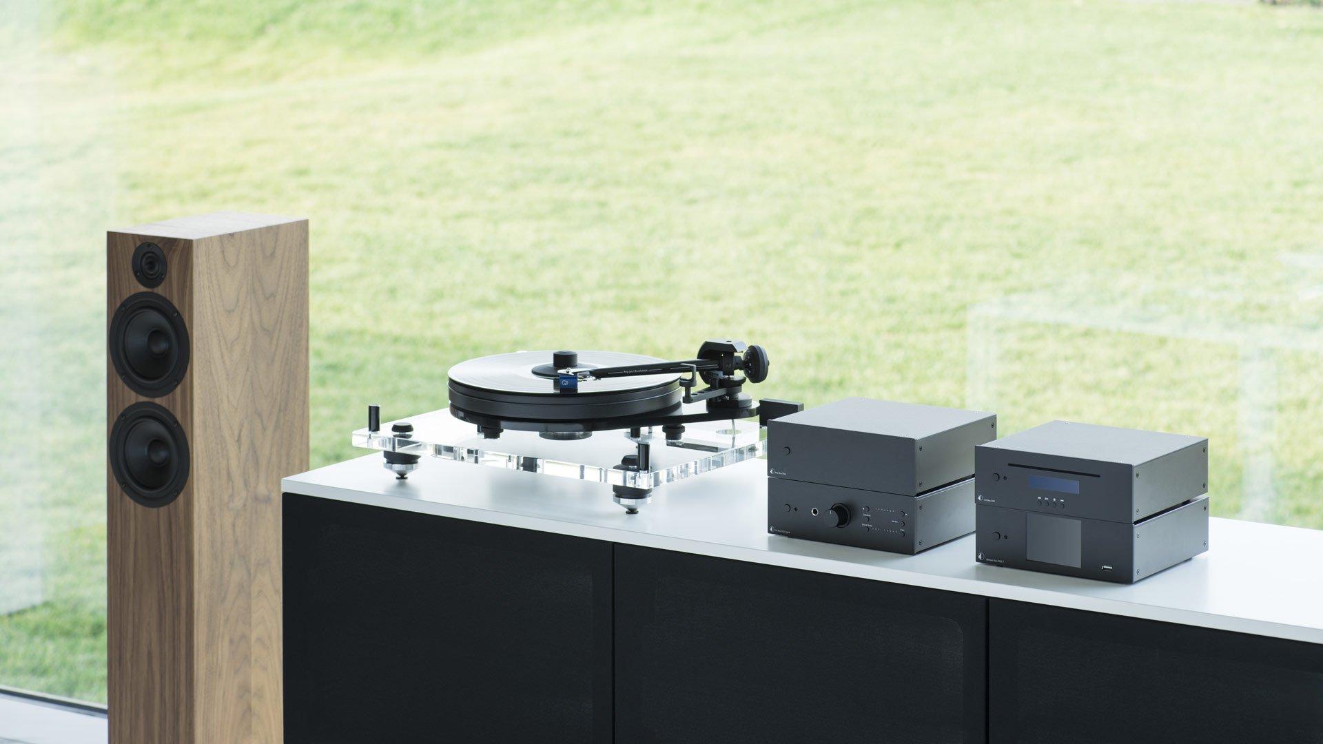speaker box 15